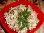 Рецепт салата из консервированной горбуши