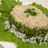 Салат из консервы сайра готовил Андрюша
