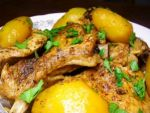 Ароматное блюдо из мяса и картошки — любимое блюдо Пчелки