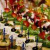 Канапе ассорти — красивые  фоторецепты бутербродов на шпажках