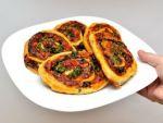 Пицца из слоеного теста от Алёнки