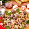 Зимний  салат из квашеной капусты от Алёнки