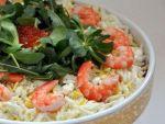 Салат с сочетанием не сочетаемого, в рецепте икра и креветки