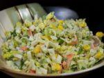Новый состав крабового салата предлагает Раиса