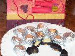 Шоколадные конфетки — сердечки от Кости и его мамы Оли