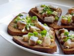 Бутерброды «Чёрный хлеб, селёдка!» от Юльетты:)