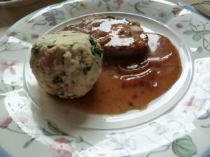 """Немецкая кухня: гарнир """"Semmelknödel"""""""