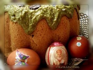 КУЛИЧ пасхальный в весеннем наряде. КУЛИЧ с яйцами