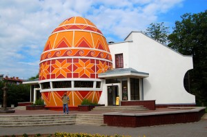 памятник писанке г. Коломыя, Ивано-Франковской обл.