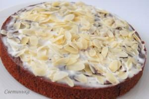 украсить шоколадно банановый торт