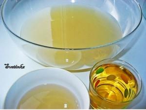 соединить белый квас, имбирный отвар и яблочный сок