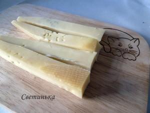 нарезать сыр брусочками
