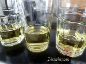 """Варенье клубничное """"Сообразим на ТРОИХ!"""" Водка в стаканах"""