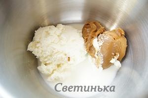смешать все ингредиенты для мороженого