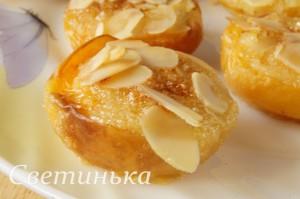 закуска из абрикосов с миндальным кремом