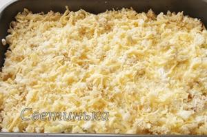посыпать капусту сырно-сухарной смесью