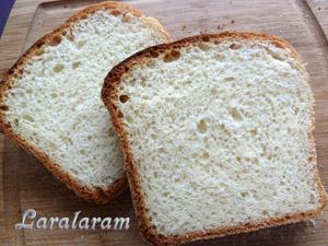 """Белый хлеб по-быстрому - """"Торопыжка-пышка"""". Ломоть хлеба"""