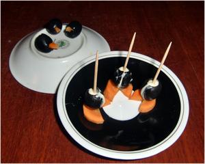 Закуска -Пингвинята. Тельце поставить на ножки