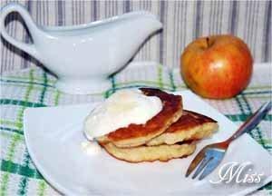 Яблочные оладьи по-чешски