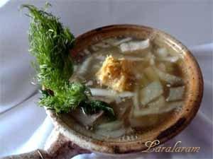 Постный суп с зеленью и песто