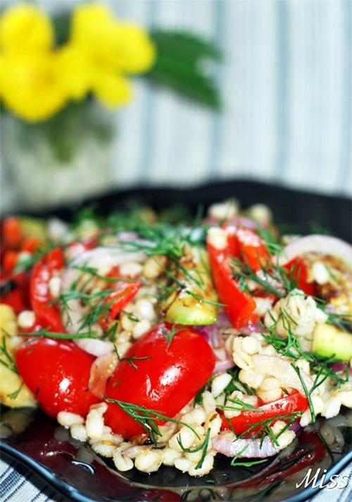 оригинальный салат с перловкой и овощами - постный рецепт