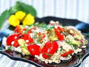 теплый салат с перловкой и овощами в пост