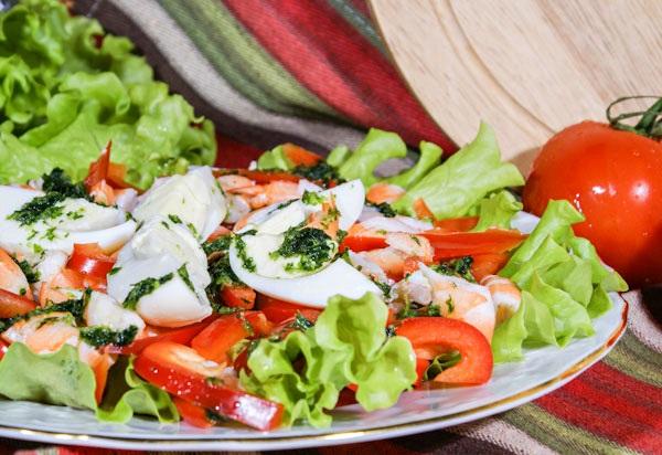 Рецепт салата из креветок и яйца с фото