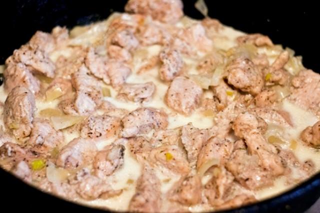 Куриные грудки в сливочном соусе на сковороде рецепт с пошагово