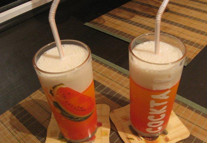 Как сделать коктейль из варенья и молока без мороженого