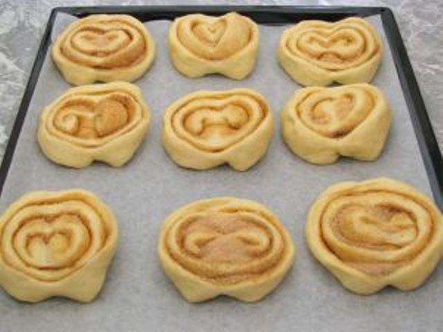 Как сделать сдобные булочки с сахаром - b