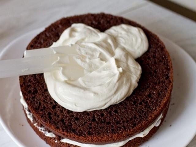 Шоколадный сметанный крем для бисквитного торта