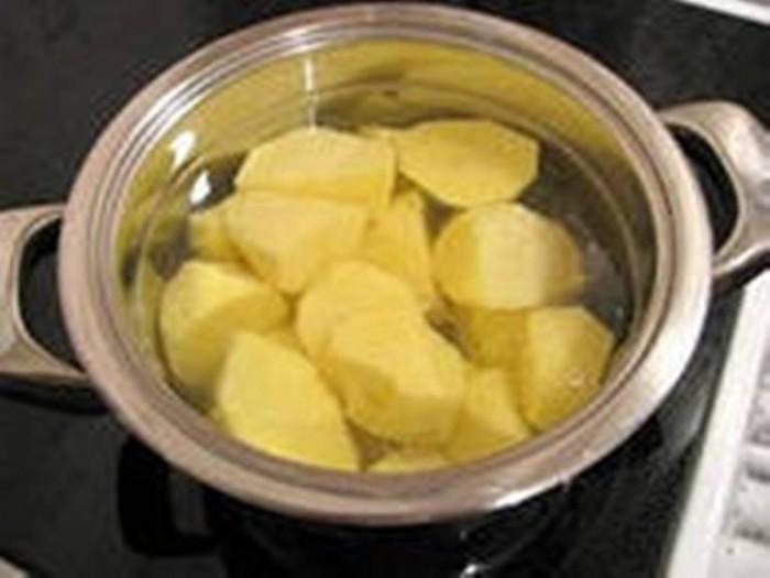 Как варить картошку в кастрюле с пошагово в